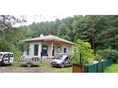 Zlaté_01_krovy_strechy_väzníky_priehradové_drevené_výroba_montáž_rodinný_dom_preprava_nadrozmer_hydraulická_ruka_12.jpg