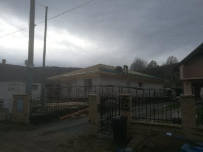 Kružlov_01_krovy_strechy_väzníky_priehradové_drevené_výroba_montáž_rodinný_dom_preprava_nadrozmer_hydraulická_ruka_09.jpg