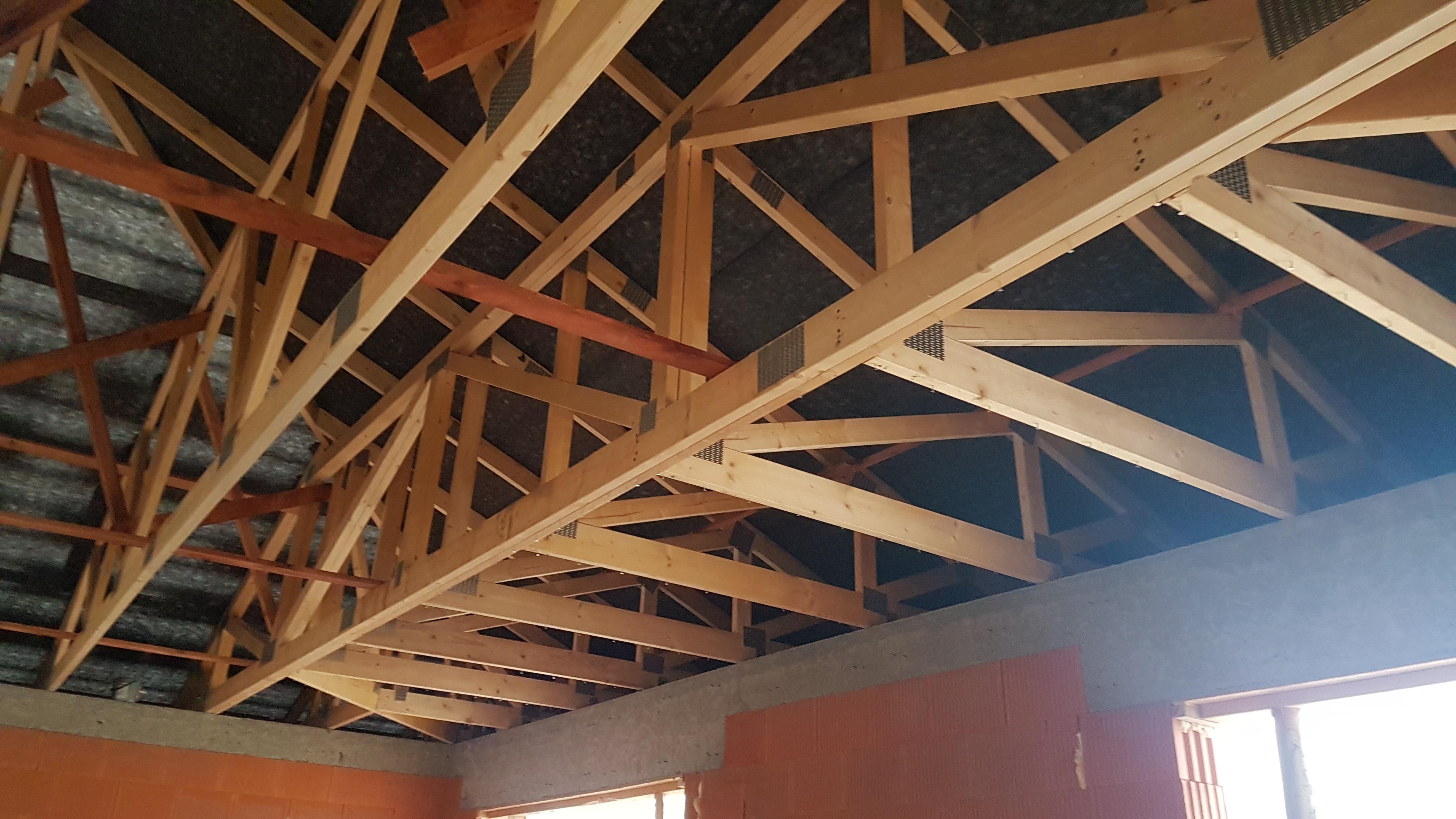 zipov1-krovy-strechy-vazniky-priehradove-vyroba-hydraulicka-ruka-04.jpg