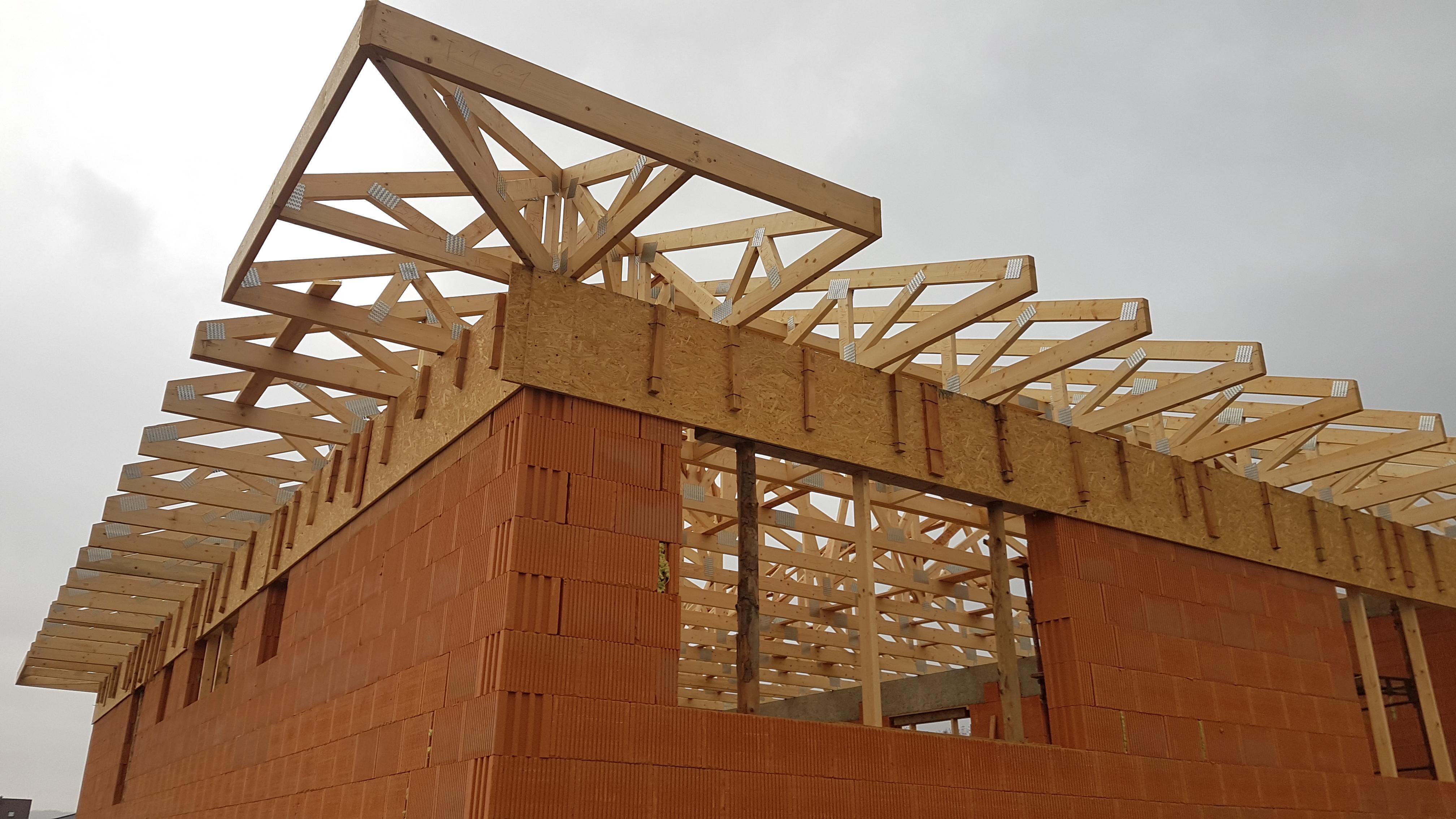 zipov1-krovy-strechy-vazniky-priehradove-vyroba-hydraulicka-ruka-06.jpg